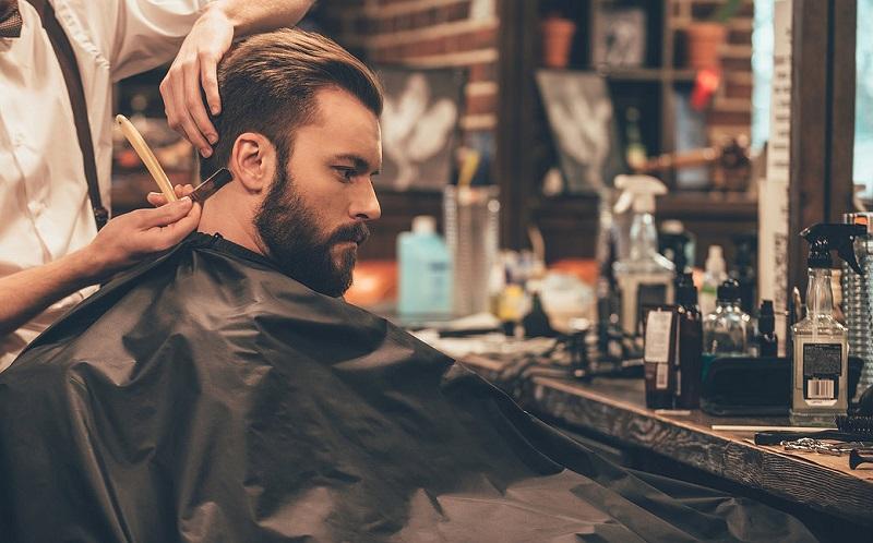 https: img-k.okeinfo.net content 2017 07 14 194 1736289 pria-modern-peduli-penampilan-alasan-barbershop-kian-menjamur-UmhM4QObtn.jpg