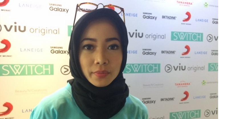 https img k.okeinfo.net content 2017 07 17 33 1738435 karina salim merasa nyaman kenakan hijab pertama kali TYn5hcB223.jpg