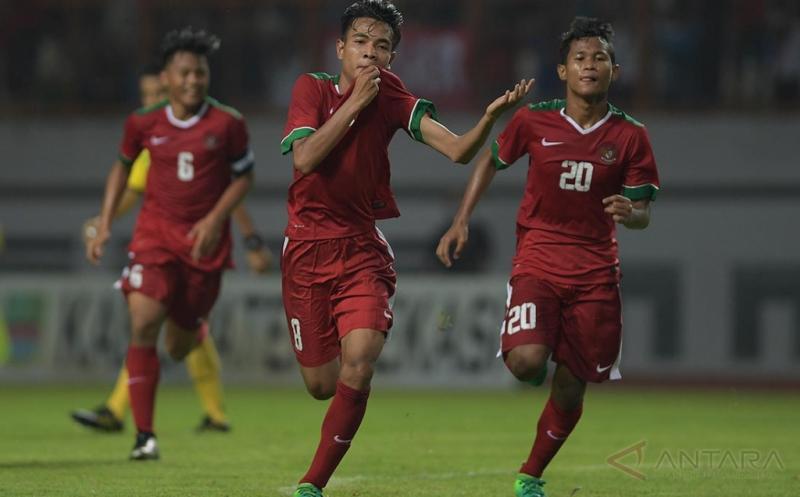 https: img-k.okeinfo.net content 2017 07 17 51 1738349 kalahkan-singapura-2-0-indonesia-finis-posisi-5-di-klasemen-akhir-grup-a-piala-aff-u-15-2017-2aLtrsQB35.jpg
