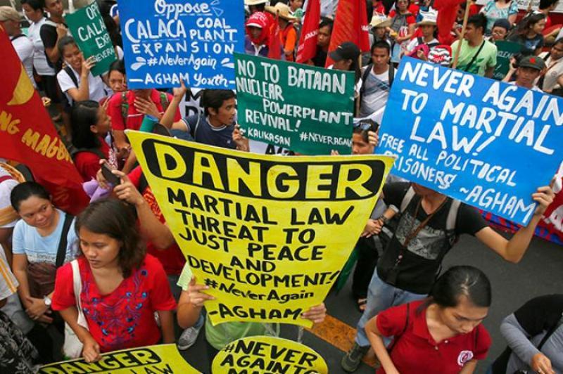https: img-k.okeinfo.net content 2017 07 23 18 1742285 polemik-perpanjangan-status-darurat-militer-di-marawi-hingga-disetujui-parlemen-filipina-A4RLGXt6eE.jpg