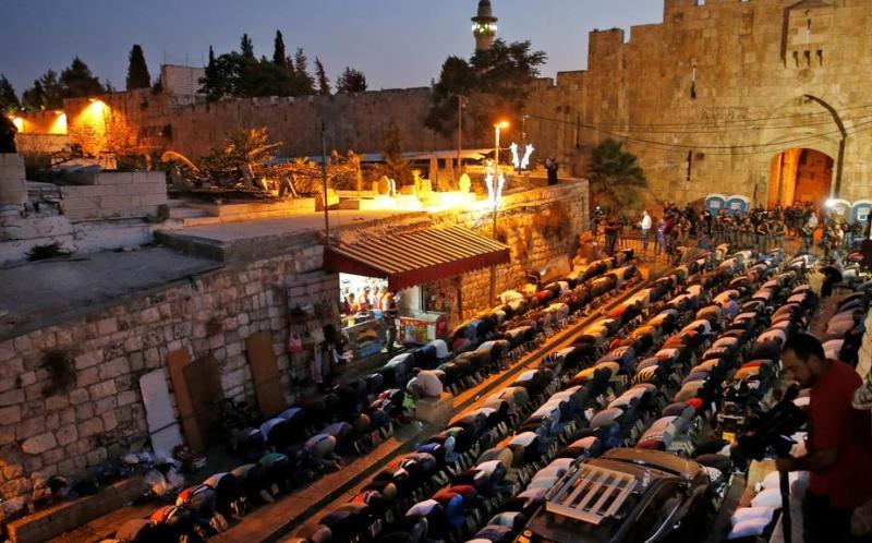 https: img-k.okeinfo.net content 2017 07 27 18 1745168 israel-main-api-di-masjid-al-aqsa-ketika-teluk-arab-sibuk-dengan-krisis-diplomatik-qatar-ki0WeC490q.jpg