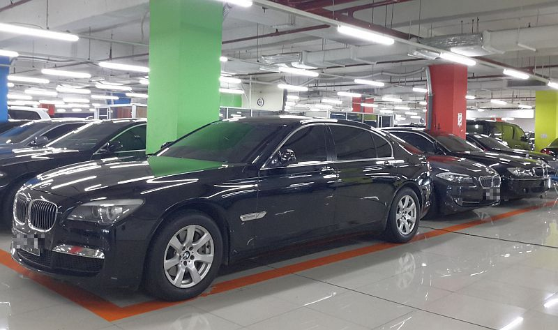 https: img-k.okeinfo.net content 2017 07 29 15 1746359 top-autos-of-the-week-ribuan-mobil-mewah-tunggak-pajak-XxJLyaQXes.jpg