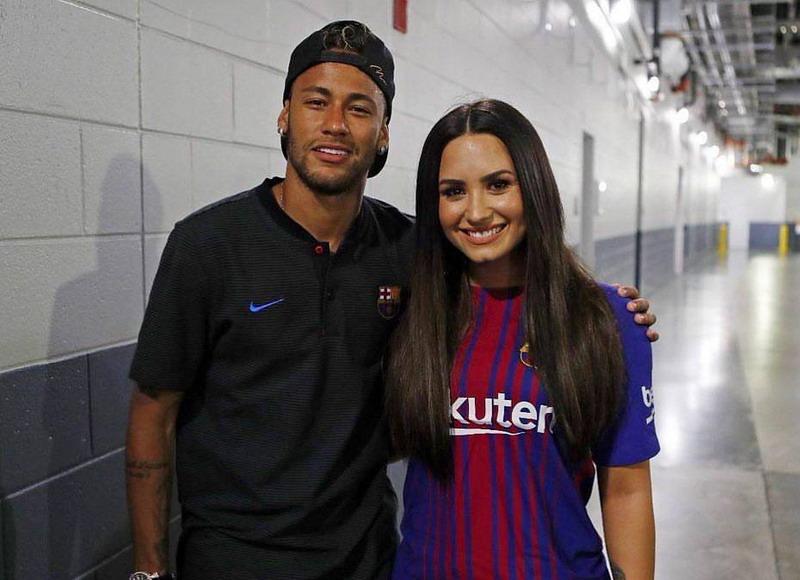 https: img-k.okeinfo.net content 2017 08 03 51 1749058 selangkah-lagi-gabung-psg-ini-catatan-neymar-bersama-barcelona-Ee9iVTFLgQ.jpg