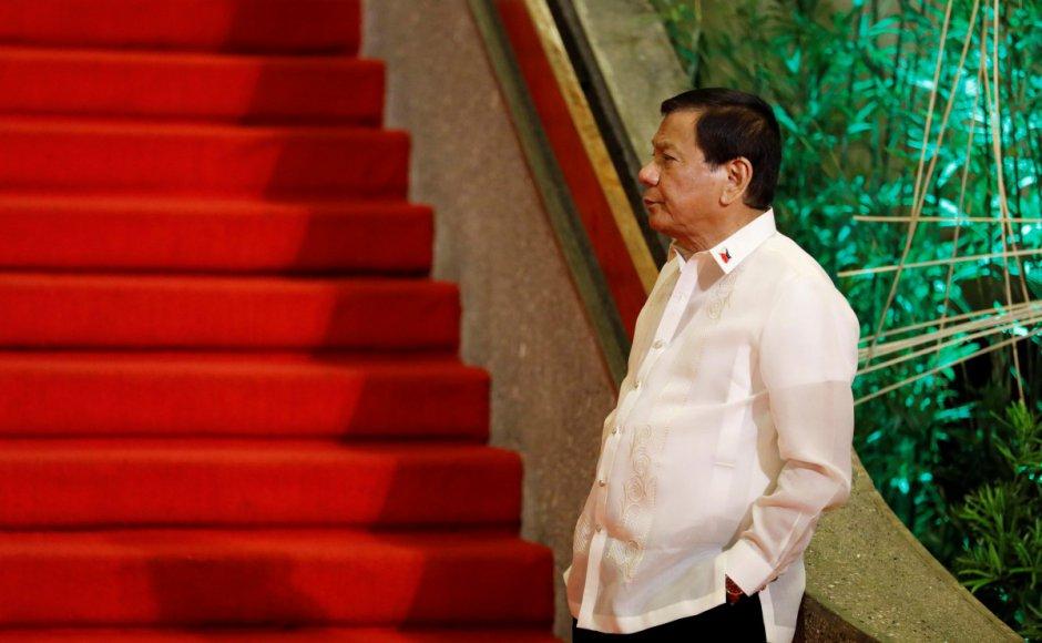 https: img-k.okeinfo.net content 2017 08 04 18 1749887 mantap-presiden-filipina-gratiskan-biaya-kuliah-di-seluruh-universitas-negeri-5qIwpEABqD.jpg