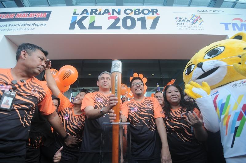 https: img-k.okeinfo.net content 2017 08 10 43 1753007 menteri-olahraga-malaysia-minta-indonesia-pastikan-tidak-ada-kabut-asap-di-sea-games-2017-gd4WCev4GW.jpg