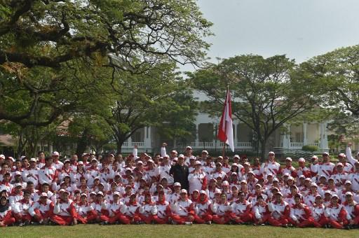 https: img-k.okeinfo.net content 2017 08 11 43 1754126 kontingen-indonesia-di-sea-games-2017-ini-target-perolehan-medali-merah-putih-7o9iCFzrl6.jpg