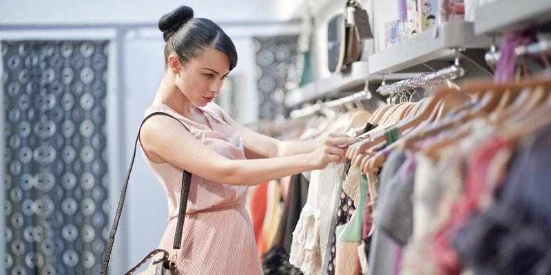 https: img-k.okeinfo.net content 2017 08 12 194 1754892 3-tempat-rekomendasi-belanja-untuk-tampil-stylish-mulai-dari-batik-sampai-koleksi-desainer-artis-aDttnCe4DW.jpg