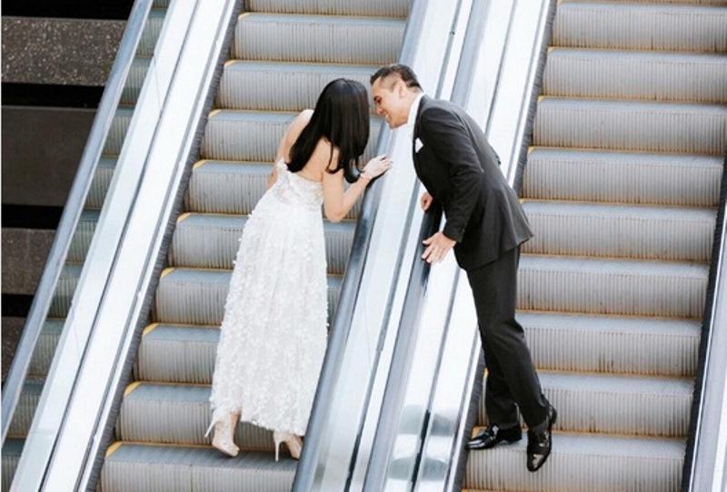 https: img-k.okeinfo.net content 2017 08 14 33 1755297 foto-dikabarkan-menikah-kalimat-mesra-untuk-chiko-hakim-bikin-baper-netizen-NgAyO8ew4B.jpg