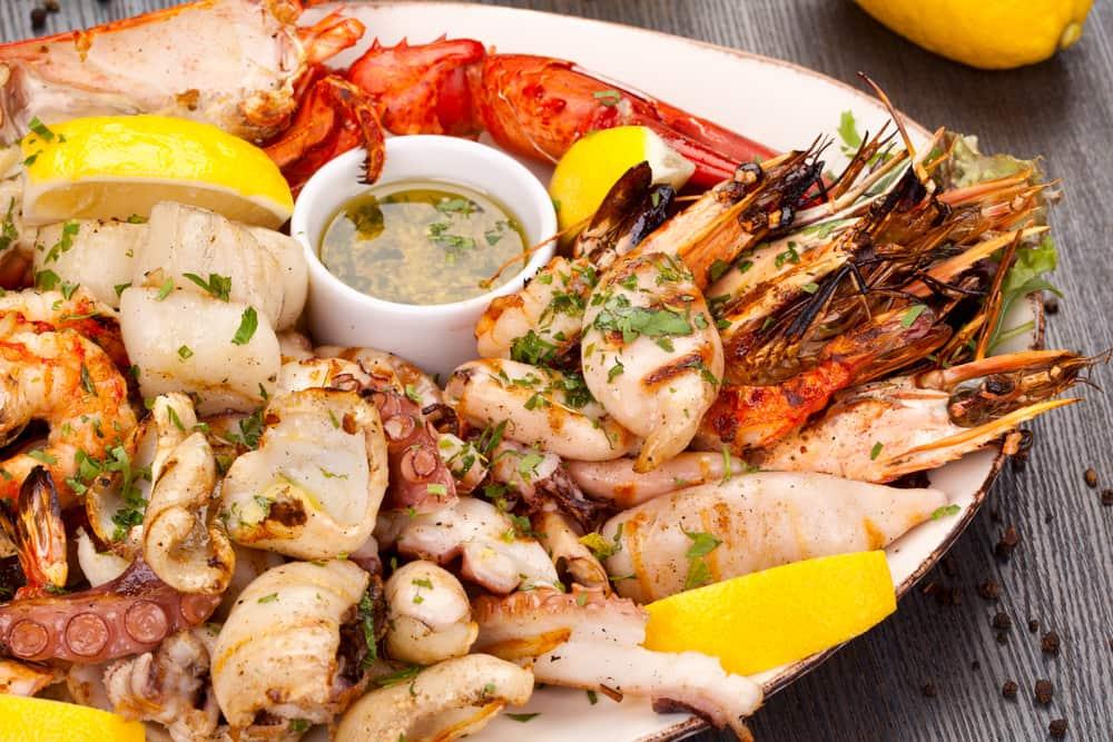 https img k.okeinfo.net content 2017 08 22 481 1760502 punya kolesterol tinggi ingat 4 jenis seafood ini harus dikurangi AC1DlSARTk.jpg