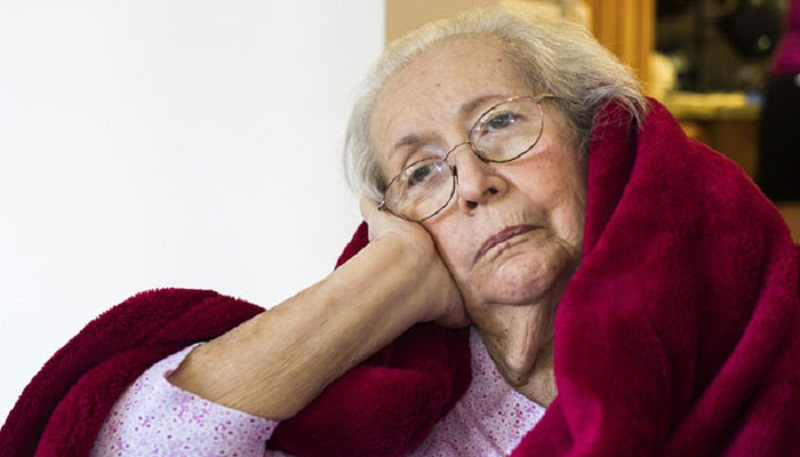 https: img-k.okeinfo.net content 2017 08 26 481 1763614 usia-semakin-tua-jangan-sering-sering-begadang-kurang-tidur-meningkatkan-risiko-demensia-cWa83a23ry.jpg
