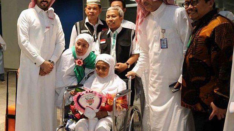 https: img-k.okeinfo.net content 2017 08 28 18 1764693 subhanallah-jamaah-haji-tertua-di-dunia-berusia-104-tahun-berasal-dari-indonesia-jCP6iPyXnm.jpg