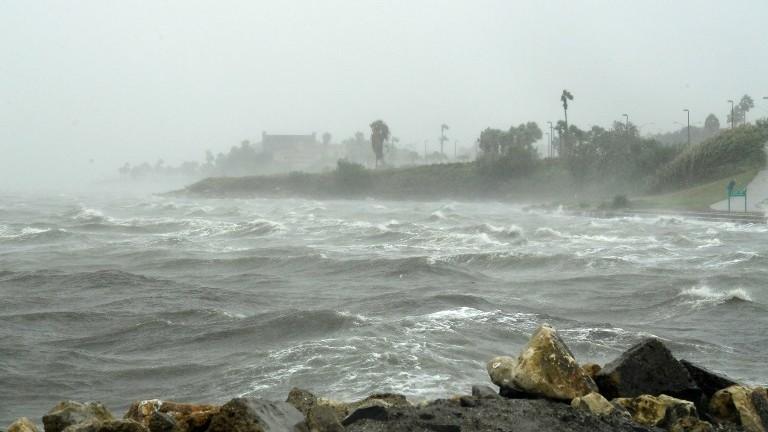 https: img-k.okeinfo.net content 2017 08 29 56 1765566 benarkah-perubahan-iklim-sebabkan-badai-harvey-nih-penjelasannya-rsYBHO3xhs.jpg
