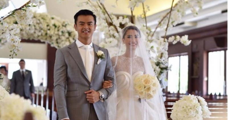 https: img-k.okeinfo.net content 2017 09 01 33 1767652 dion-wiyoko-dan-fiona-anthony-resmi-jadi-suami-istri-di-hari-idul-adha-FcjfXZ4xhk.jpg