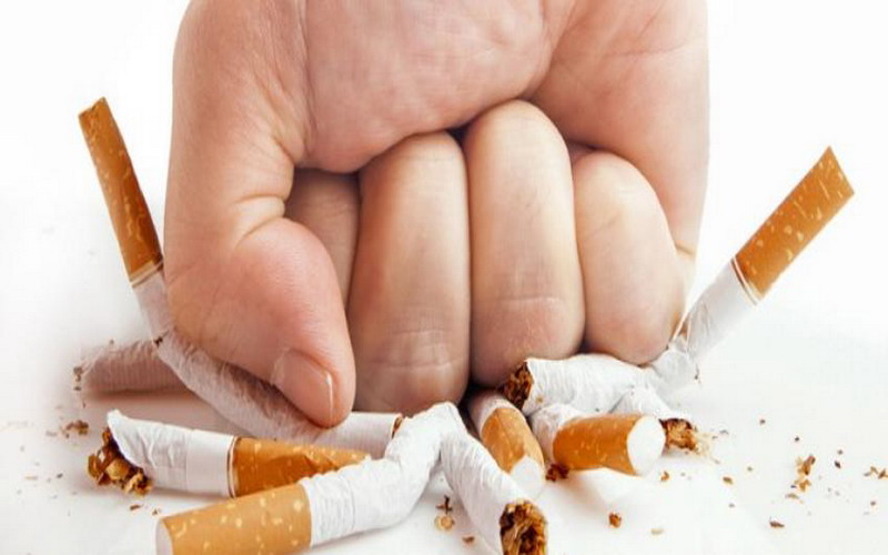 https: img-k.okeinfo.net content 2017 09 06 481 1770526 perokok-aktif-bisa-berhenti-merokok-ini-5-tipsnya-salah-satunya-sering-makan-FF9KAIXglJ.jpg