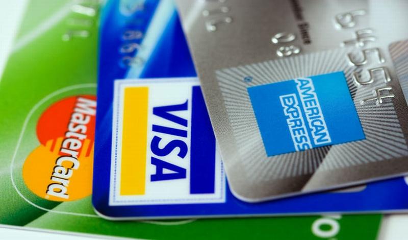 https: img-k.okeinfo.net content 2017 09 08 320 1771966 bahaya-gesek-kartu-kredit-di-mesin-kasir-asosiasi-belum-terima-laporan-dari-nasabah-N4z3GPK6Jc.jpg