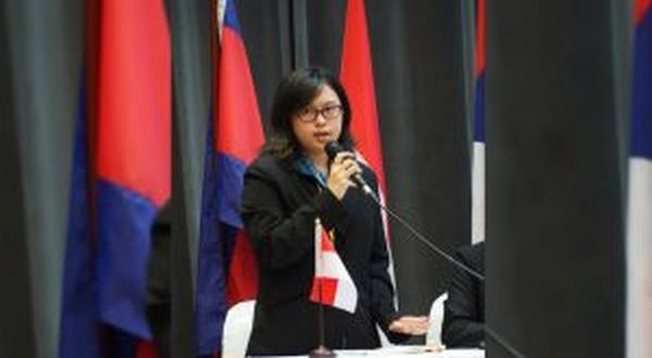 https: img-k.okeinfo.net content 2017 09 12 65 1774249 tepuk-tangan-mahasiswa-indonesia-juarai-lomba-debat-tingkat-asean-OvDL2dpSCi.jpg