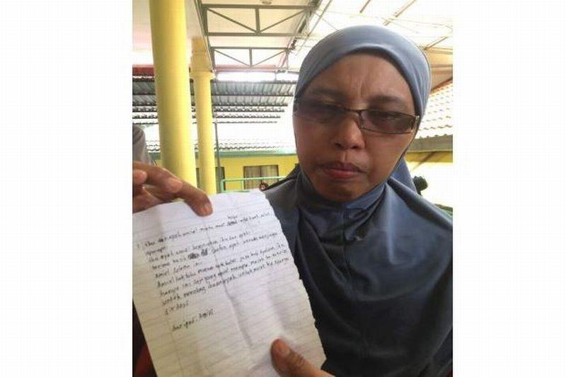 https: img-k.okeinfo.net content 2017 09 14 18 1776167 mengharukan-seorang-korban-tewas-kebakaran-madrasah-di-malaysia-sempat-kirim-surat-ke-orangtua-ini-isinya-y2sJtfv9wJ.jpg
