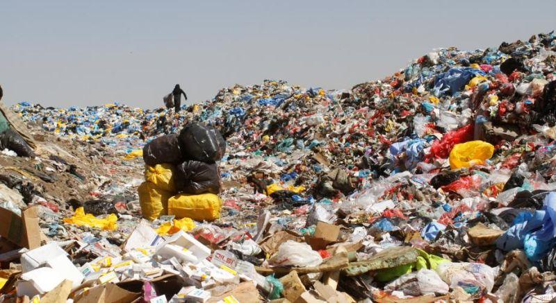 https: img-k.okeinfo.net content 2017 09 21 18 1780502 mantap-atasi-limbah-ilmuwan-temukan-jamur-pengurai-plastik-di-pakistan-UvgGeb3eWG.jpg