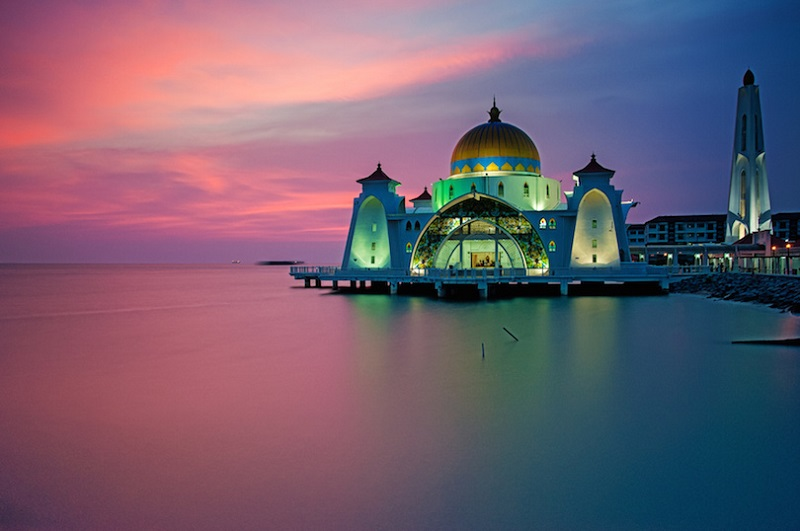 https: img-k.okeinfo.net content 2017 09 21 406 1780207 tahun-baru-islam-perayaan-tahun-baru-islam-di-berbagai-negara-mulai-dari-arab-saudi-hingga-malaysia-DBbA7G5BEA.jpg