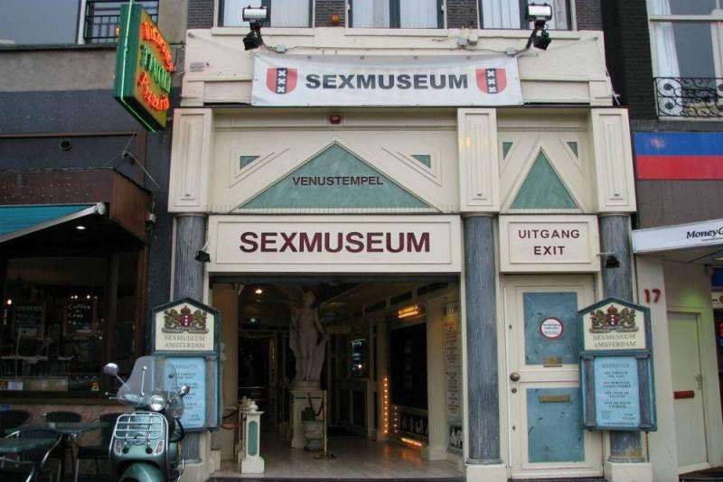 https: img-k.okeinfo.net content 2017 09 22 406 1780545 backpacker-diary-sex-museum-amsterdam-wisata-erotis-legendaris-yang-bikin-penasaran-Jj9Z5ee453.jpg