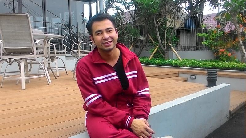 https: img-k.okeinfo.net content 2017 09 25 33 1782529 video-dari-pantauan-cctv-pencuri-di-rumah-raffi-ahmad-sempat-ucapkan-mantra-0cY2aqsfZ6.jpg