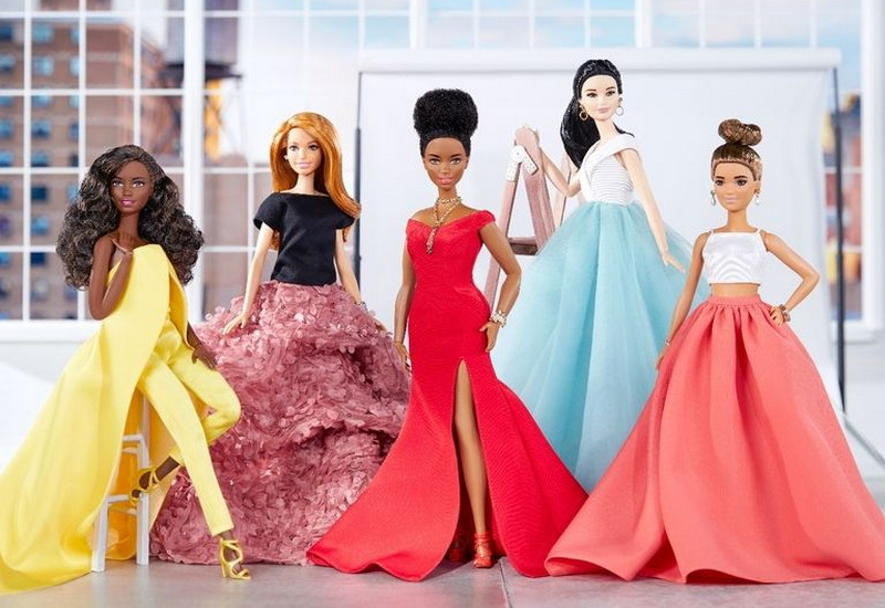 https: img-k.okeinfo.net content 2017 09 28 194 1784675 barbie-didandani-gaun-ikonik-milik-selebriti-dunia-di-karpet-merah-ini-tampilan-cantiknya-qtLnZ2nXRI.jpg