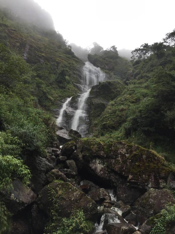 https: img-k.okeinfo.net content 2017 09 28 406 1784861 backpacker-diary-air-terjun-silver-waterfall-menikmati-cantiknya-keindahan-alam-sapa-vietnam-stI7C1tjpZ.jpg