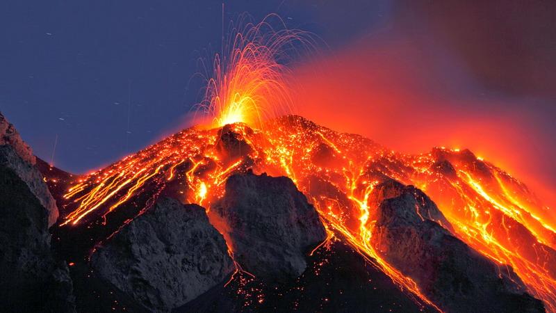 https: img-k.okeinfo.net content 2017 10 02 337 1787152 ada-5-gunung-api-paling-aktif-di-dunia-berikut-daftar-dan-faktanya-lJWKlgFYkT.jpg