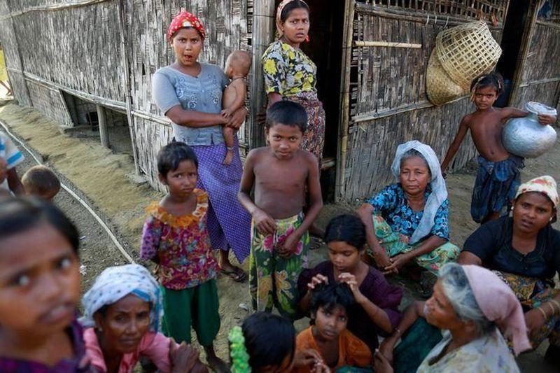 https: img-k.okeinfo.net content 2017 10 06 18 1790464 astaga-100-000-warga-rohingya-berkumpul-di-perbatasan-myanmar-bangladesh-untuk-bergabung-dengan-pengungsi-lainnya-JmirmrgncW.jpg