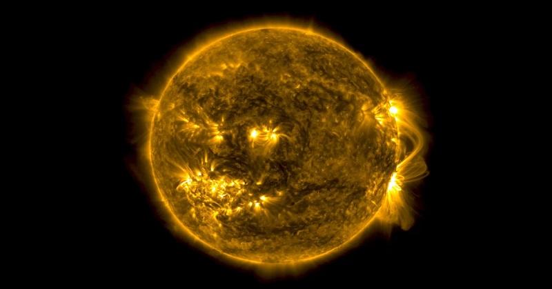 https: img-k.okeinfo.net content 2017 10 10 56 1792729 mengerikan-akibat-ledakan-kecil-korona-matahari-menjadi-lebih-panas-tTlsVaBb6P.jpg