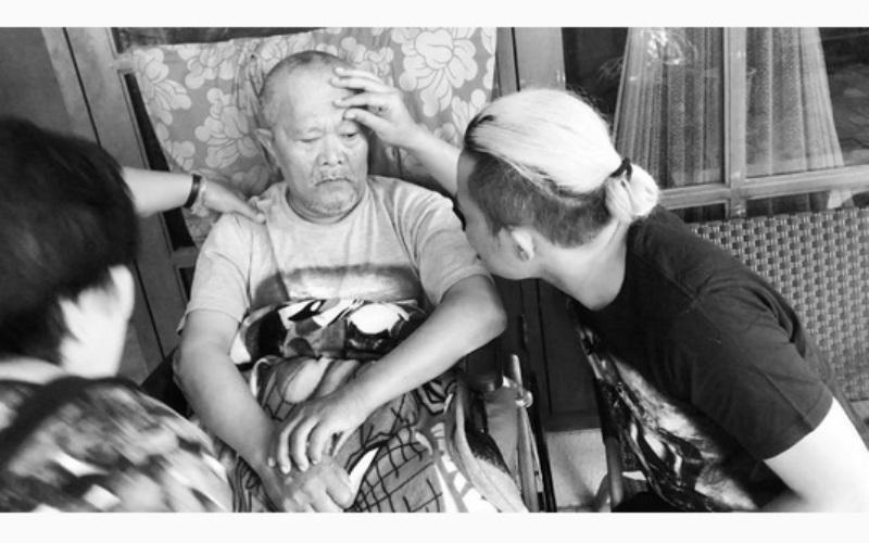 https: img-k.okeinfo.net content 2017 10 11 33 1793079 foto-innalillahi-ayahanda-sule-meninggal-dunia-kzZnPYiPXp.jpg