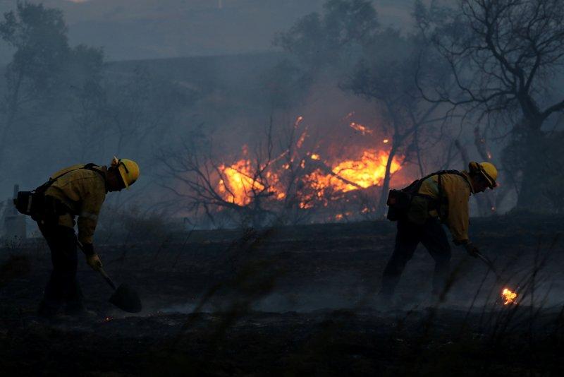 https: img-k.okeinfo.net content 2017 10 12 18 1793811 astaga-korban-tewas-kebakaran-hutan-california-mencapai-21-orang-JoT60GrPBD.JPG