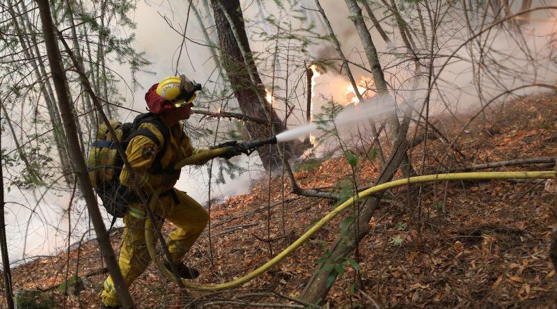 https: img-k.okeinfo.net content 2017 10 13 18 1794543 ya-ampun-kebakaran-dahsyat-landa-california-31-tewas-dan-400-hilang-GZDU2zSZIc.jpg