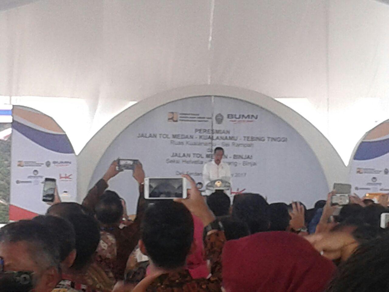 https: img-k.okeinfo.net content 2017 10 13 320 1794901 sering-ke-sumatra-utara-jokowi-saya-hampir-jadi-orang-batak-keoh5WCCOq.jpg