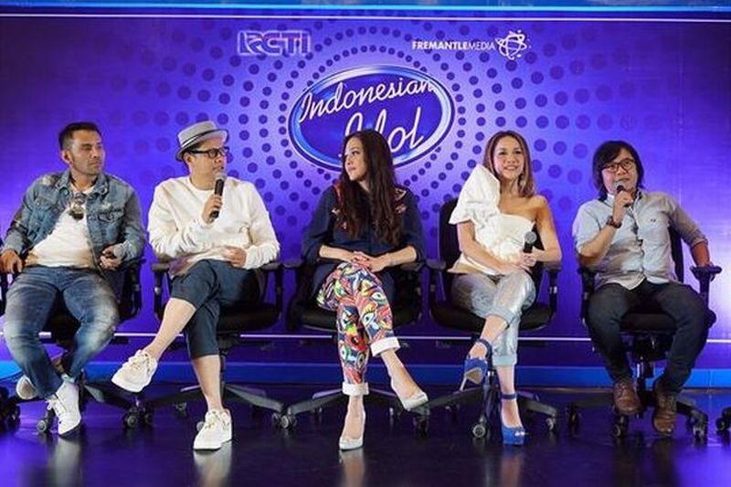 https: img-k.okeinfo.net content 2017 10 16 205 1795968 dikemas-berbeda-gimmick-dan-proses-eliminasi-indonesian-idol-2017-jadi-lebih-seru-NzsCEAqIlD.jpg