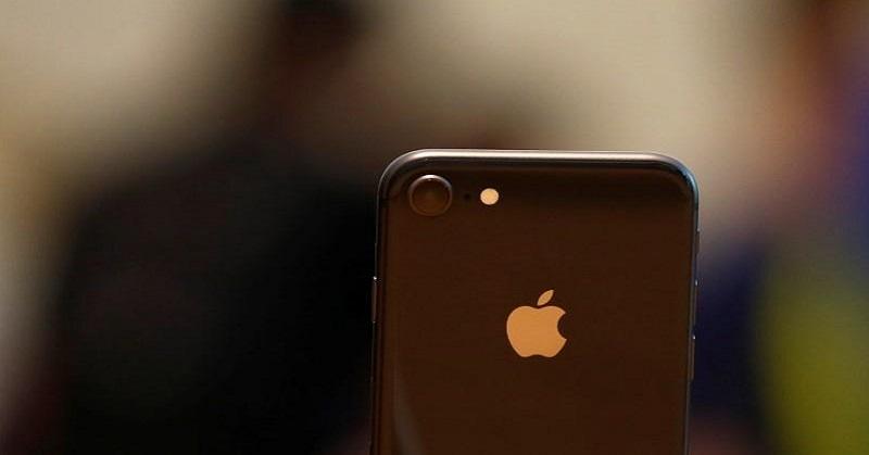 https: img-k.okeinfo.net content 2017 10 20 207 1799167 waduh-iphone-8-kurang-peminat-saham-apple-merosot-tFsGhDie7R.jpg