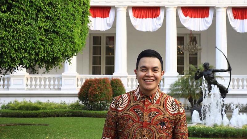 https: img-k.okeinfo.net content 2017 10 20 33 1799057 keren-tulus-terpilih-jadi-duta-persahabatan-indonesia-jepang-XDHxDIRINL.jpg
