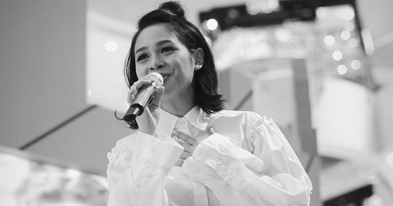 https: img-k.okeinfo.net content 2017 10 30 205 1805054 nyanyikan-indonesia-raya-3-stanza-upaya-andien-aisyah-lestarikan-lagu-kebangsaan-BvH4eU2ND4.jpg