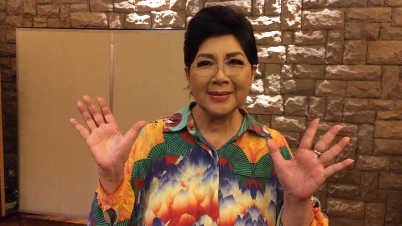 https: img-k.okeinfo.net content 2017 11 01 33 1806812 ulang-tahun-ke-80-titiek-puspa-turut-doakan-presiden-jokowi-dan-rakyat-indonesia-NgnyZzkO27.jpg