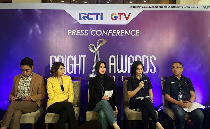 https: img-k.okeinfo.net content 2017 11 06 320 1809259 bright-awards-indonesia-ajang-mencari-ikan-berkualitas-di-indonesia-ojJapql6iN.jpg