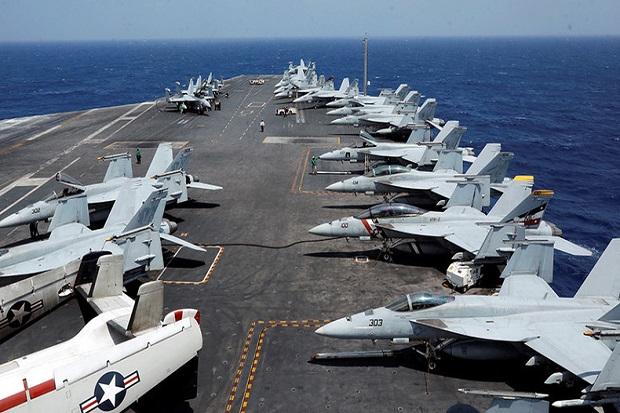 https: img-k.okeinfo.net content 2017 11 07 18 1809770 oalah-pelaut-as-ditabrak-pesawat-di-dek-kapal-induk-uss-carl-vinson-Rfz119b40s.jpg