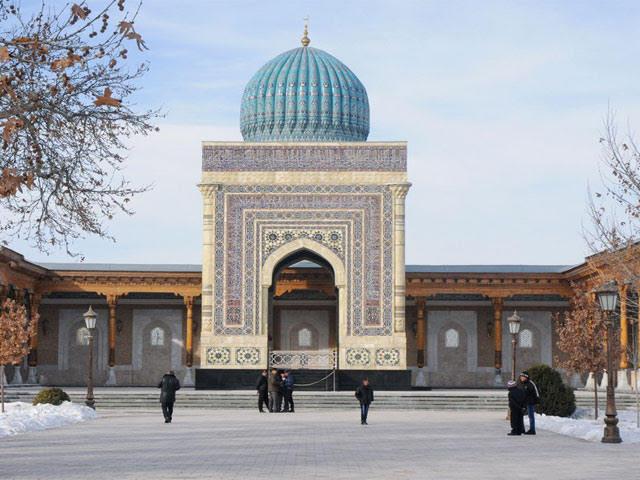 https: img-k.okeinfo.net content 2017 11 12 406 1812637 cerita-di-balik-hidupnya-mausoleum-imam-bukhori-di-uzbekistan-berkat-jasa-bung-karno-P9PC4Ucs4S.jpg