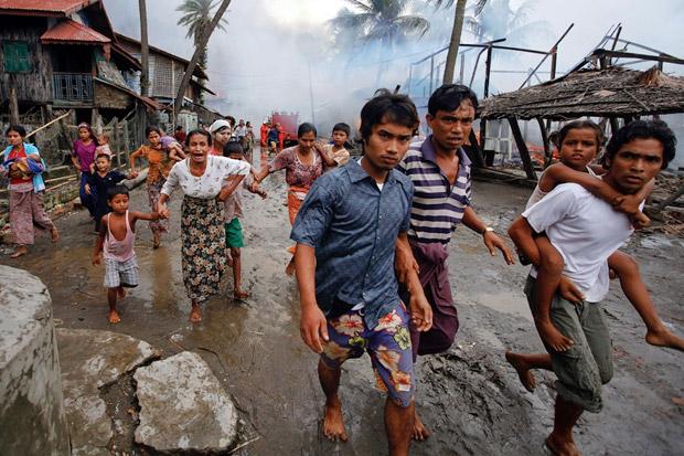 https: img-k.okeinfo.net content 2017 11 14 18 1813859 hmm-militer-myanmar-bantah-aksi-kekejaman-terhadap-muslim-rohingya-czhp3kVL5e.jpg