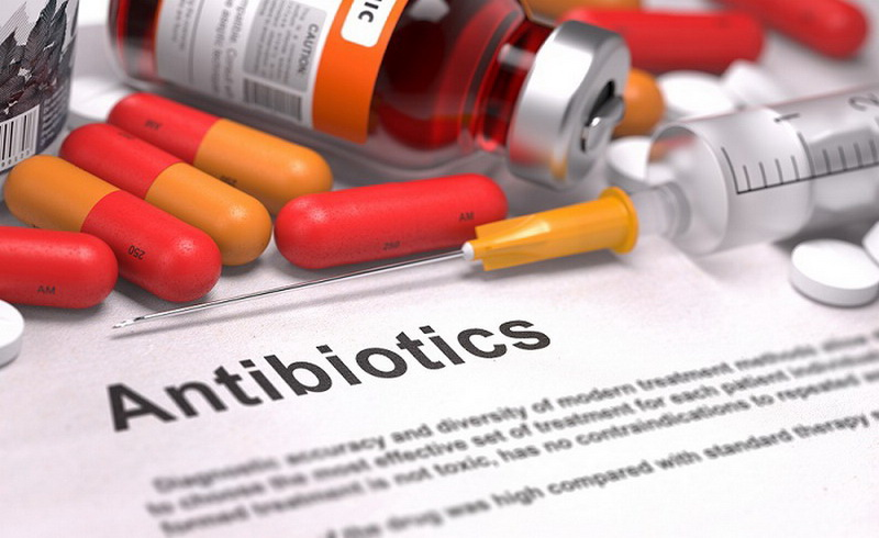 https: img-k.okeinfo.net content 2017 11 14 481 1813901 ingat-jangan-sembarangan-pakai-antibiotik-sudah-700-ribu-jiwa-melayang-tiap-tahun-q287f0KZx1.jpg