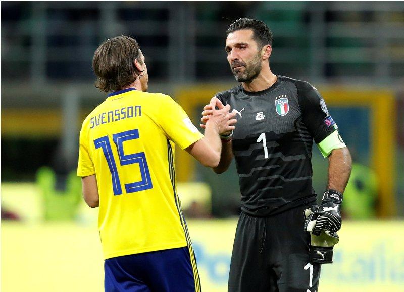 https: img-k.okeinfo.net content 2017 11 14 51 1813709 timnas-italia-gagal-lolos-ke-piala-dunia-2018-cannavaro-angkat-topi-untuk-buffon-tF0HQet1rM.JPG