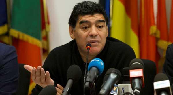 https: img-k.okeinfo.net content 2017 11 15 51 1814564 diego-maradona-ingin-kembali-latih-timnas-argentina-cTEiGwNDd0.jpg