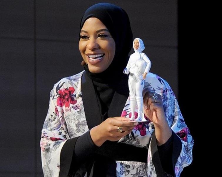 https: img-k.okeinfo.net content 2017 11 16 194 1815010 bisa-disontek-stylish-nya-penampilan-ibtihaj-muhammad-atlet-muslim-as-yang-menginspirasi-barbie-hijab-pertama-fIwedYrYjt.jpg