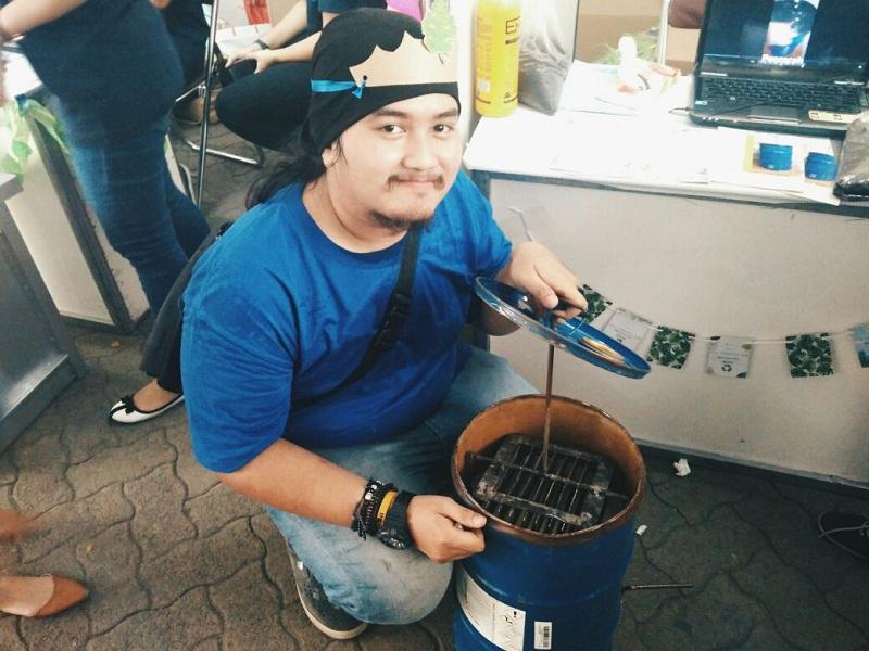 https: img-k.okeinfo.net content 2017 11 24 65 1820071 eco-compost-bin-tong-sampah-karya-mahasiswa-yang-bisa-hasilkan-pupuk-kompos-DhsEktHYex.jpg
