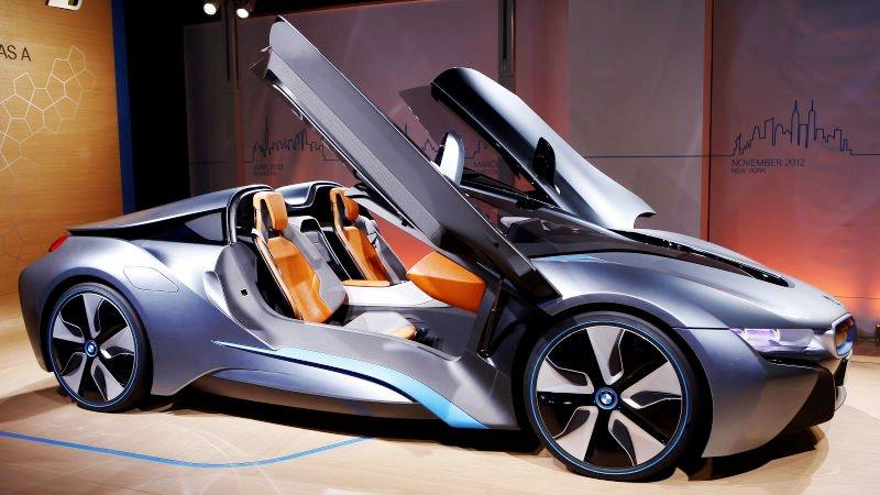 https: img-k.okeinfo.net content 2017 11 27 15 1821527 audi-8-dan-bmw-i8-roadster-unjuk-gigi-di-ajang-los-angeles-auto-show-cN9pdeCIoL.jpeg