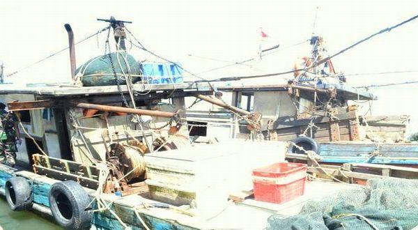 https: img-k.okeinfo.net content 2017 12 04 340 1825120 langgar-perbatasan-kapal-ikan-dari-china-berbendera-timor-leste-ditangkap-di-perairan-ntt-E75dySXQZJ.jpg